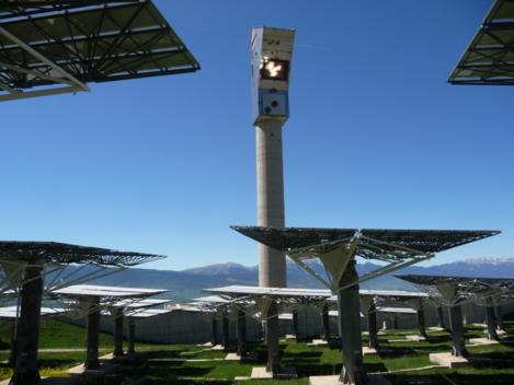 La centrale solaire Themis, dont CNIM a conçu et réalisé la chaudière, considérée comme une référence en ce domaine (source: Wikipedia / Themis)