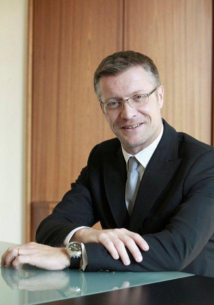 Yves Hinnekint, Directeur général d'Opcalia (OPCA interprofessionnel et interbranche)