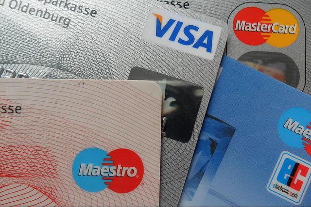 Michel Sapin veut revoir le seuil de paiement des cartes bancaires