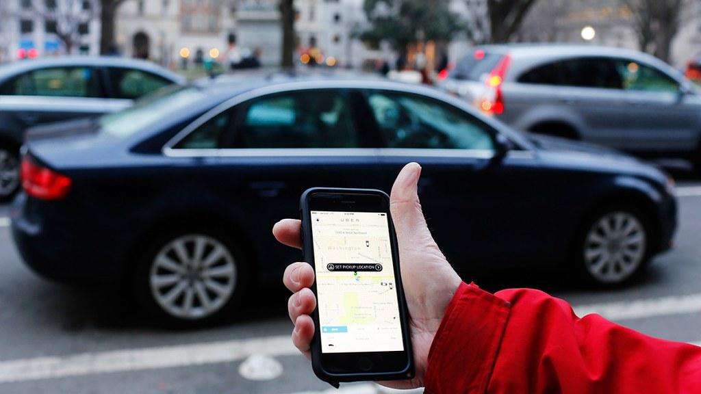 Le conflit qui oppose taxis contre Uber ou la fin du mythe de l'ubérisation heureuse