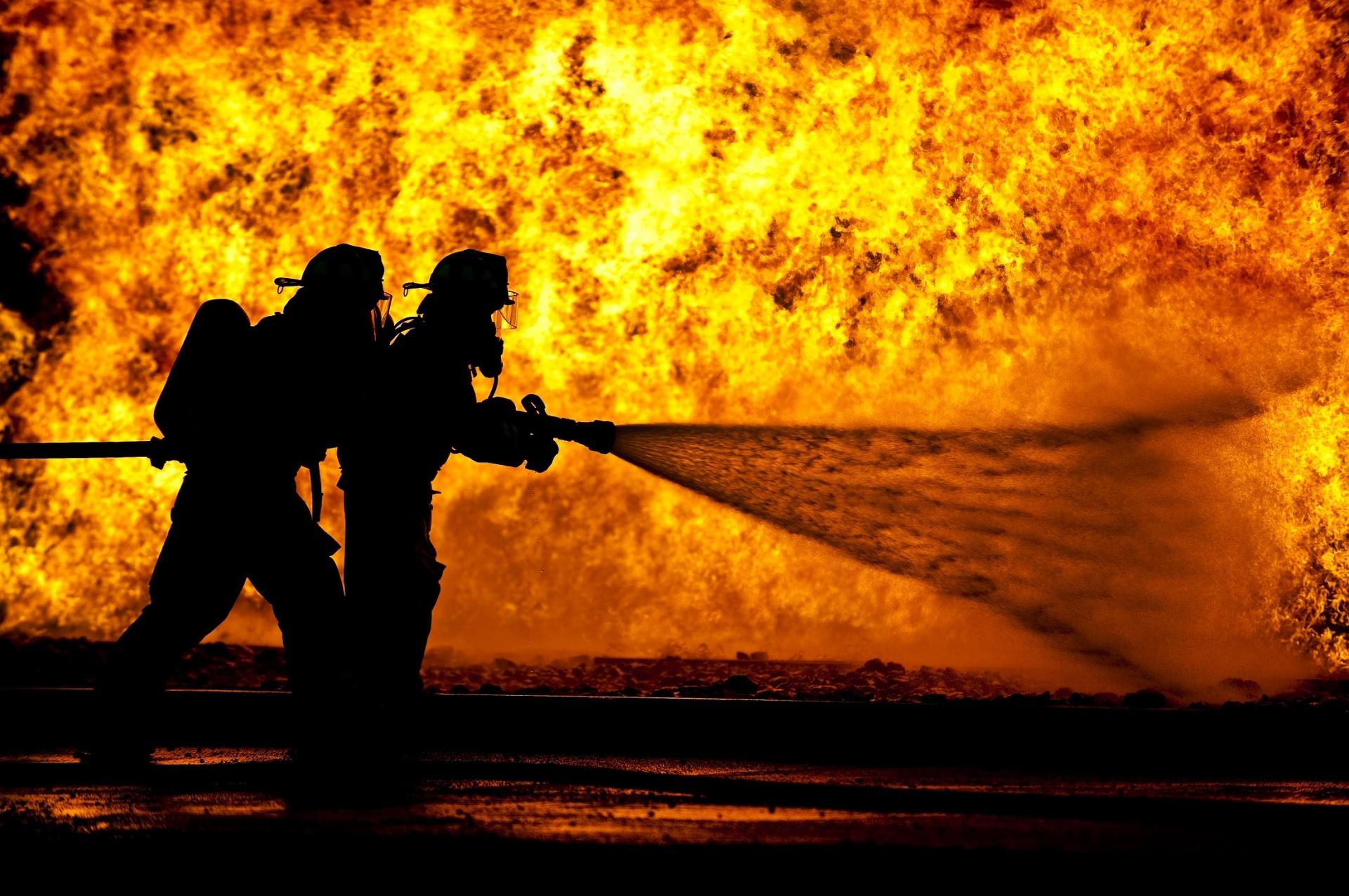 Catastrophe industrielle et crise de santé publique : le cas de l'incendie de l'usine Lubrizol à Rouen