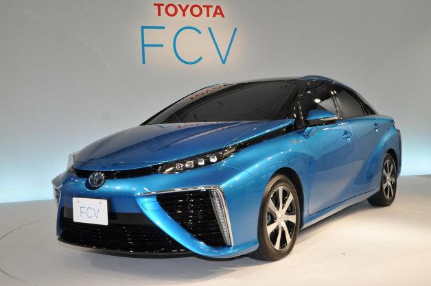 Toyota lance la première voiture à hydrogène