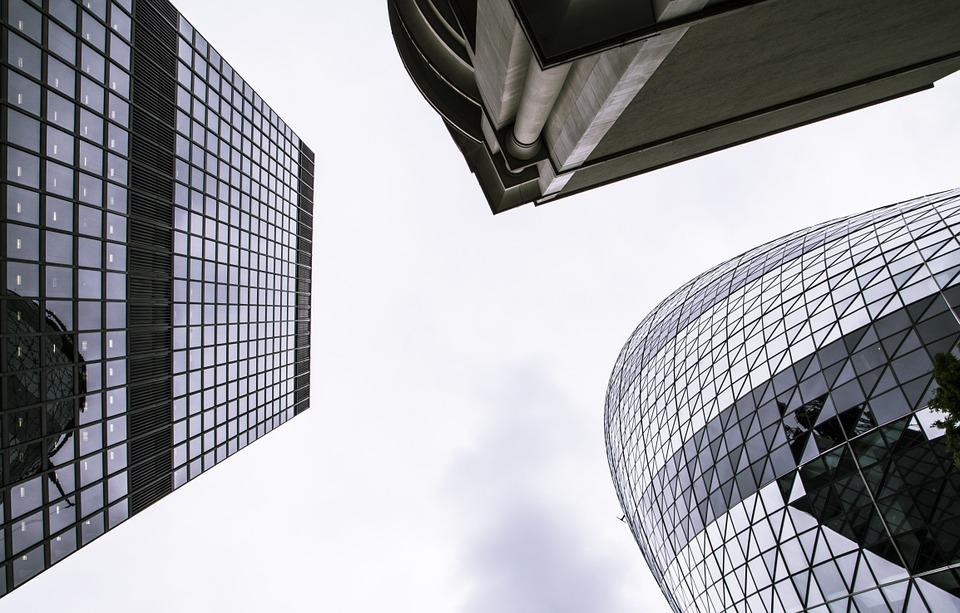 Pour que la France attire les centres de décisions des entreprises